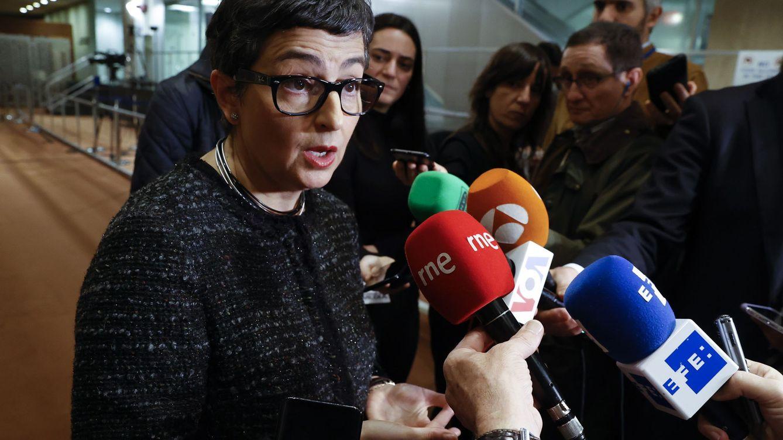 España oficializa su relación bipolar con los 'dos gobiernos' de Venezuela