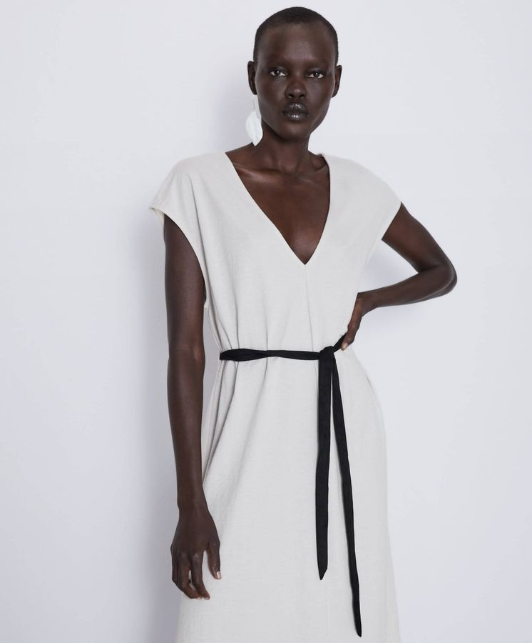 Foto: Vestido basic de Zara. (Cortesía)
