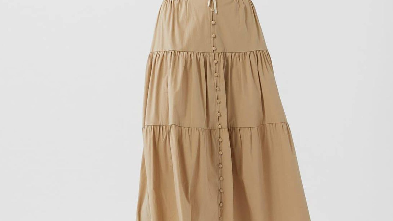 Falda de popelín rebajada de Stradivarius. (Cortesía)