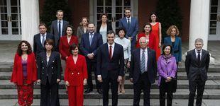 Post de Por qué el rojo protagoniza el primer Consejo de Ministros