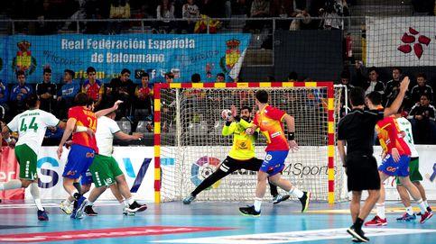 A Corrales se le cae una valla encima en el Mundial y España recurre a Sterbik
