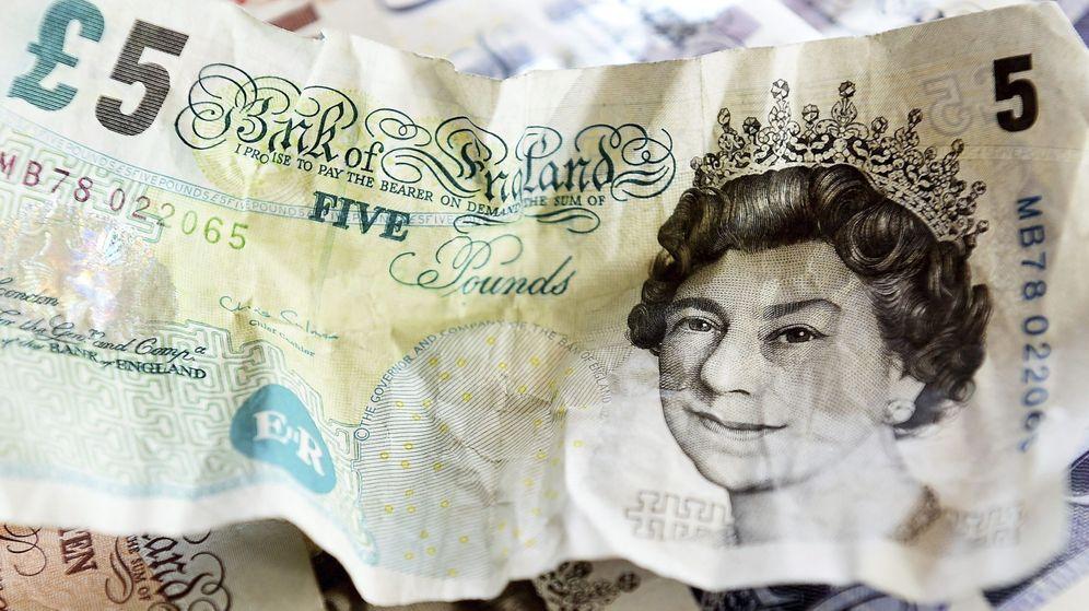 Foto: Vista de un billete de cinco libras. (EFE)