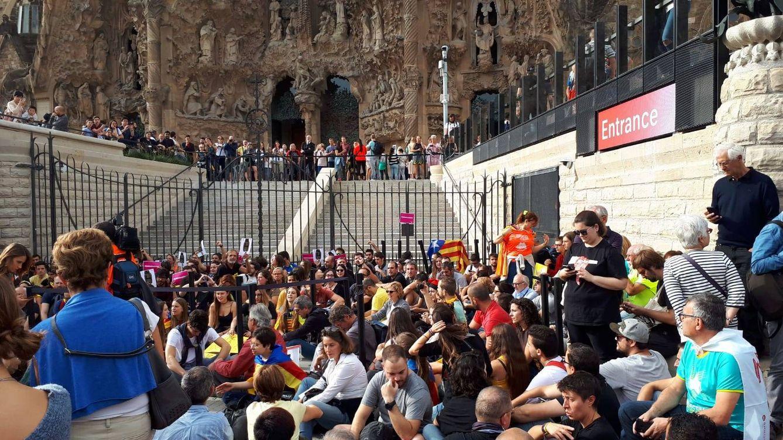 Foto:  Protesta ante la Sagrada Familia este viernes. (R.M.)