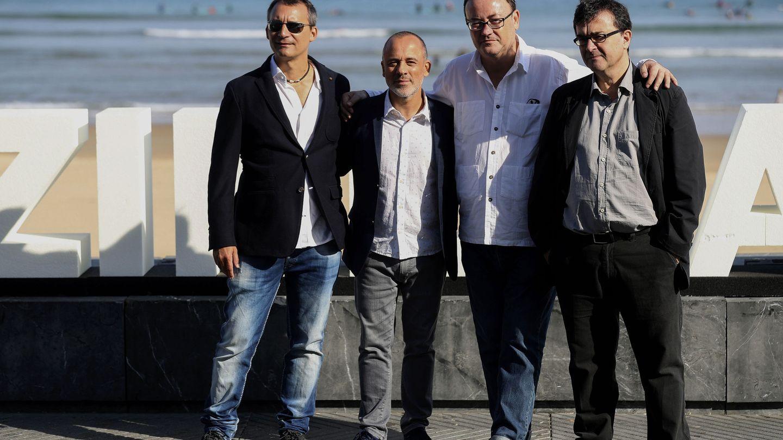 El equipo de 'El autor' en San Sebastián. (Efe)