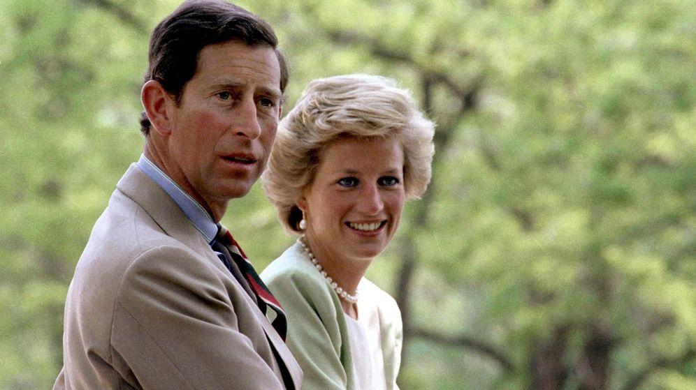 Foto: Carlos y Diana en una imagen de 1990. (EFE)