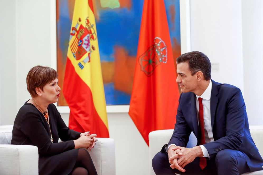 Foto: Pedro Sánchez recibe a Uxue Barkos en La Moncloa el pasado 31 de octubre. (EFE)