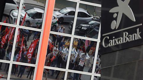 Directo económico | Caixa ofrece una excedencia especial a los recolocados en filiales