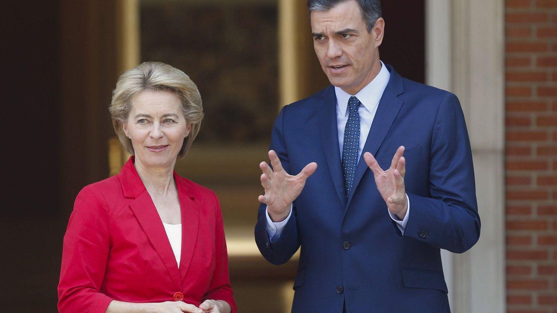 Ursula von der Leyen junto al presidente del Gobierno. (EFE)