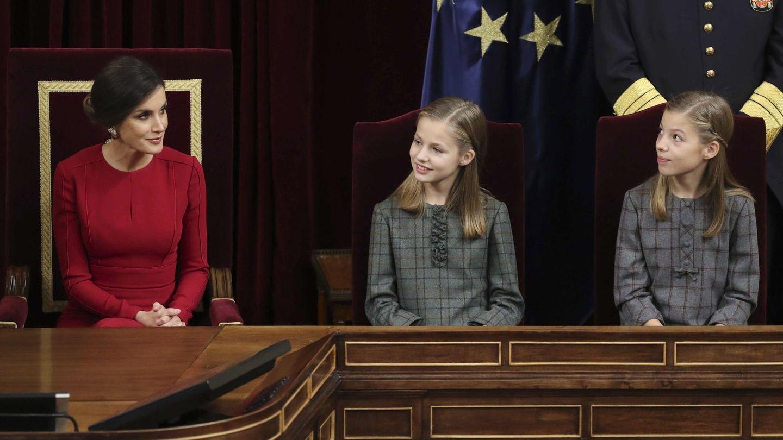 La reina Letizia y sus hijas en una imagen de archivo. (EFE)