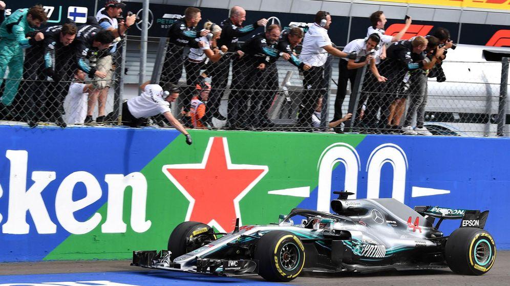 La humillación de Hamilton y Mercedes a Ferrari