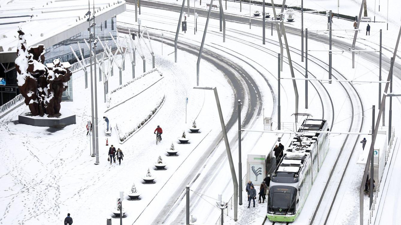Foto: La nieve tiñe de blanco media España: San Sebastián, Bilbao, Zaragoza, Manresa...