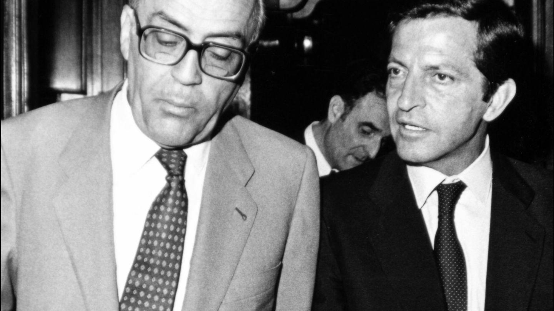 Calvo-Sotelo y Adolfo Suárez en una imagen de archivo. (Gtres)