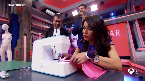 Pilar Rubio, toda una 'maestra de la costura' en 'El Hormiguero'