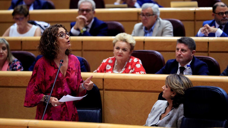 Montero defiende al presidente del Senado. (EFE)