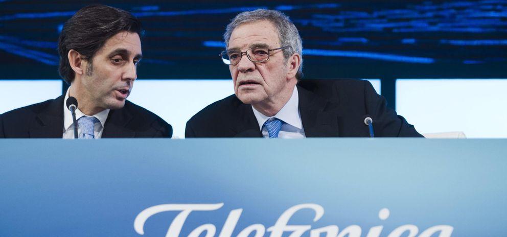 El presidente de Telefónica, César Alierta (d), yel consejero delegado, José María Álvarez-Pallete López.