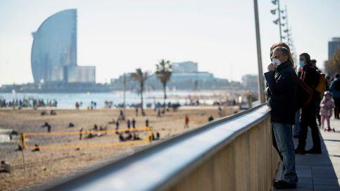 Barcelona prohíbe fumar en cuatro playas el próximo verano