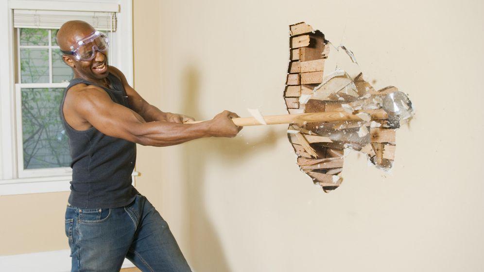 Foto: Mi inquilino ha dejado el piso a unos amigos y lo han destrozado. Foto: Corbis.