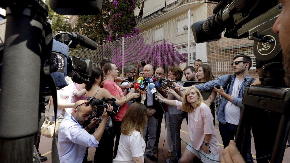 Fernández Díaz, abucheado en su colegio electoral al grito de dimisión