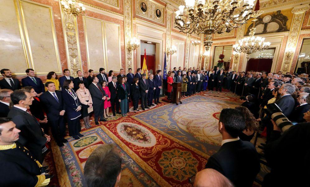 Foto: La presidenta del Congreso, Meritxell Battet (c), durante su intervención en el Congreso en la sesión solemne de las Cortes con motivo de la celebración del 41 aniversario de la Constitución. (EFE)