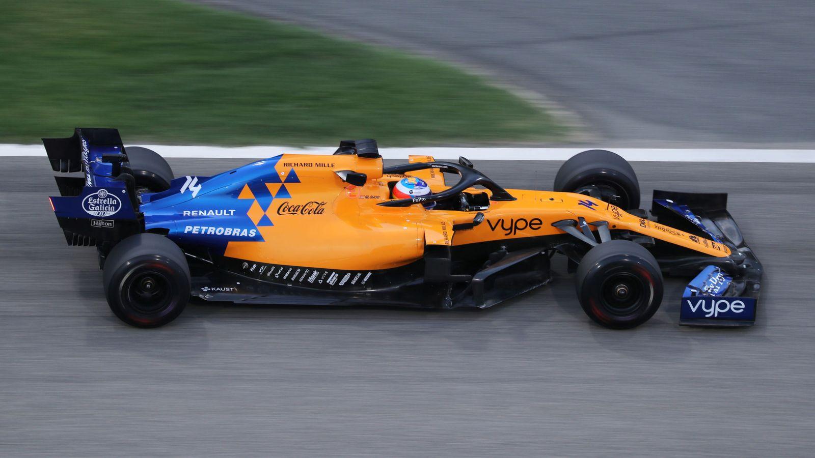 Foto: Fernando Alonso durante la segunda jornada de test en Bahréin. (Reuters))