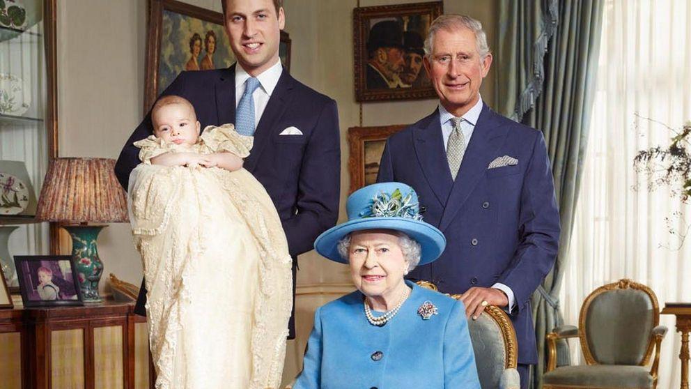 El príncipe Carlos culpa a Carole Middleton de no ver a su nieto