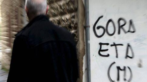 El Gobierno pide a ETA que no solo entregue las armas, sino que se disuelva