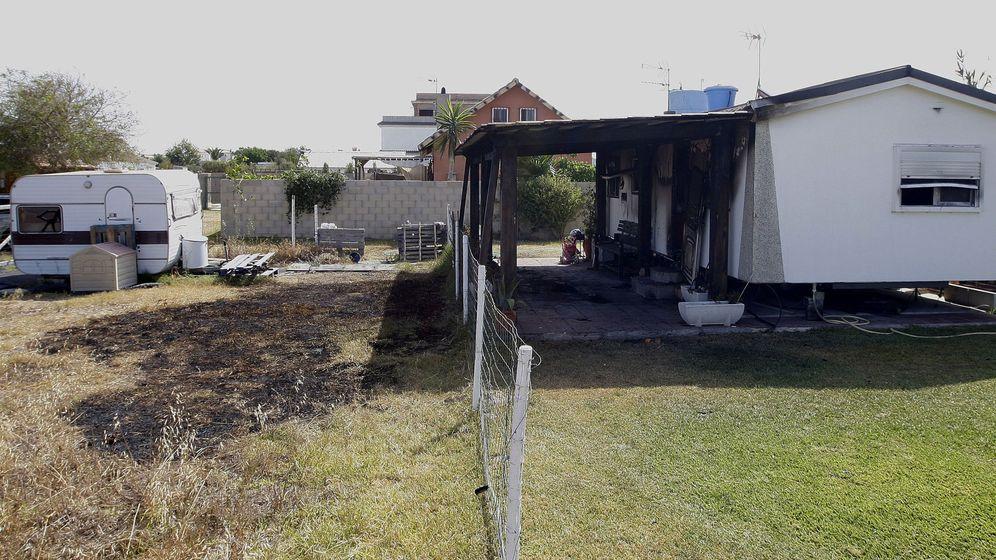 Foto: Vivienda donde ha tenido lugar el incendio. (EFE)