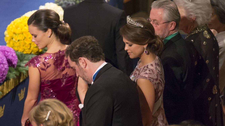 Foto: Magalena y Sofía durante la entrega de los Premios Nobel (Gtres)