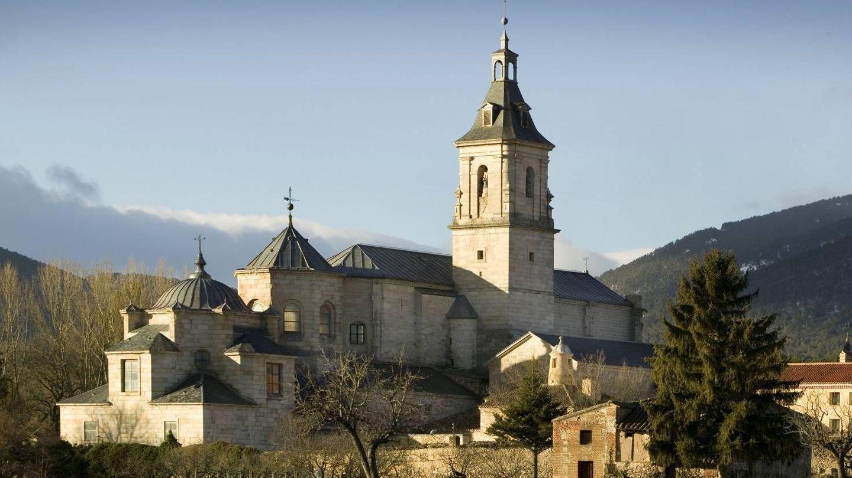 El majestuoso monasterio del Paular en un no menos majestuoso paisaje. (Foto: Turismo de Madrid)