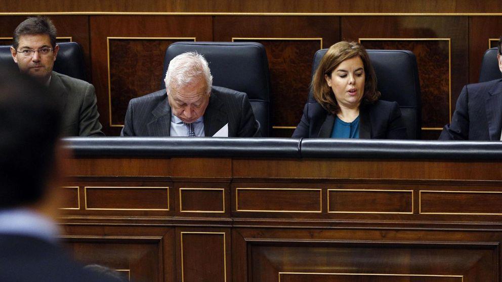 Rajoy mete el dedo en la herida del PSOE con elogios a Rubalcaba