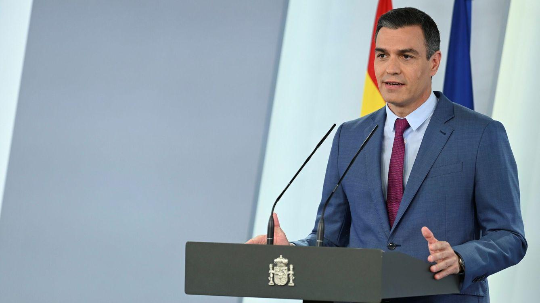 Foto: El presidente del Gobierno, Pedro Sánchez, durante su comparecencia en la que dio a conocer la nueva composición del Gobierno, este sábado en el Palacio de la Moncloa. (EFE)