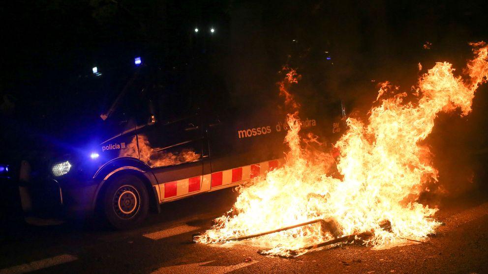 Casado y Rivera: ¿Dónde estaba Sánchez ante la violencia de los separatistas?