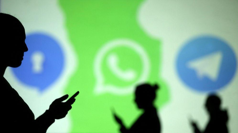Borra WhatsApp... y hasta la 'app' del banco: así cuidan su móvil los 'locos' de la privacidad