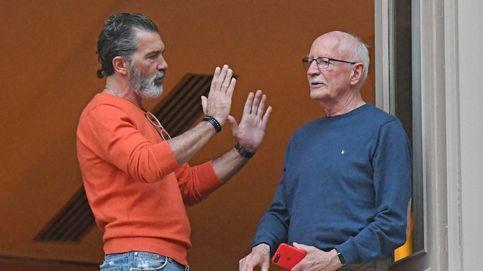 Antonio Banderas cumple su promesa: un devoto más en la Semana Santa malagueña