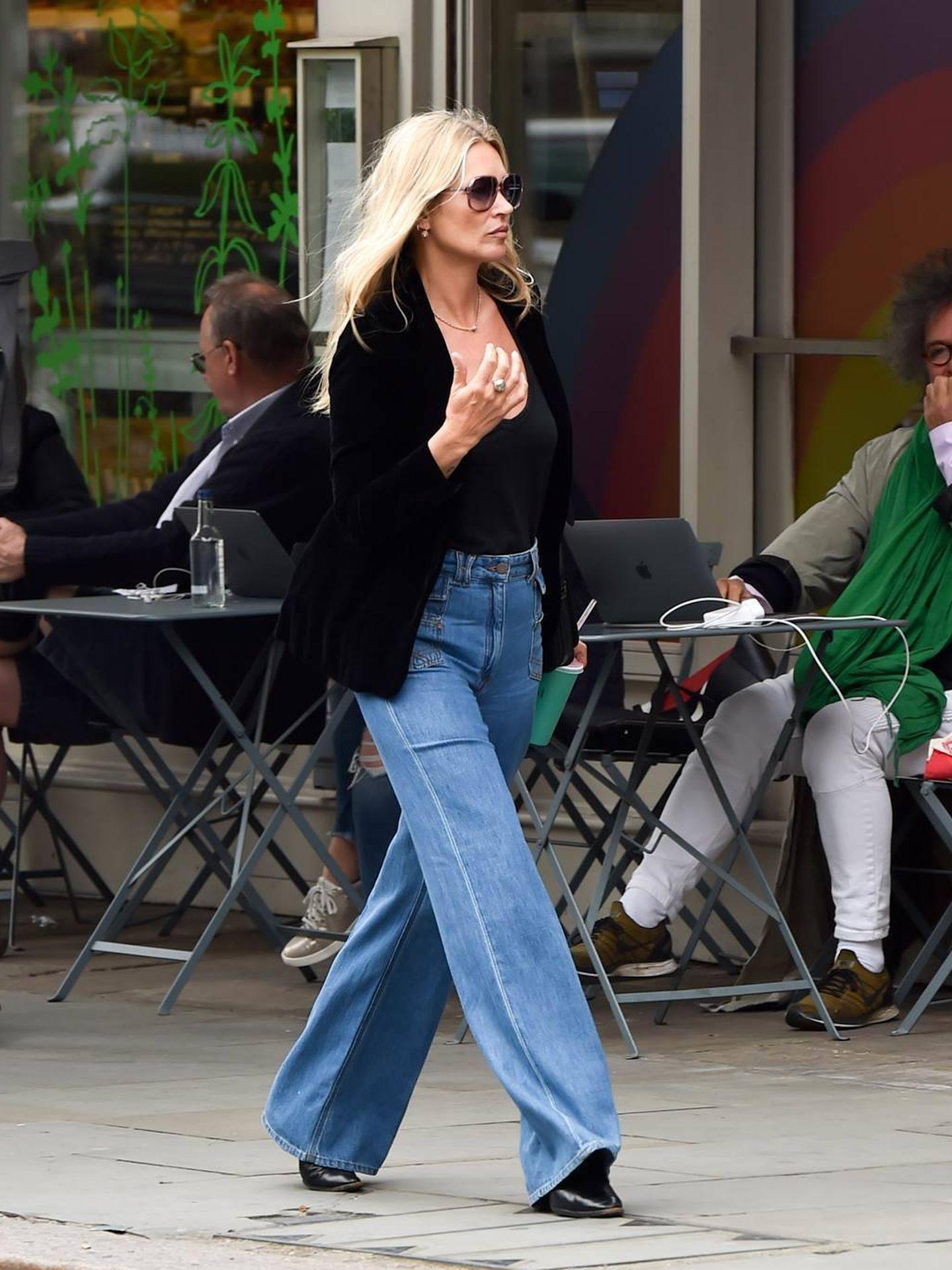 Kate Moss, con los vaqueros de Gerard Darel. (Cortesía)
