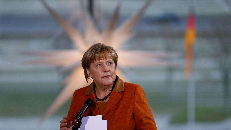 Foto: Angela Merkel habla a los familiares de los soldados alemanes destinados en el extranjero, en la Cancillería en Berlín, el 14 de diciembre de 2016 (Reuters)