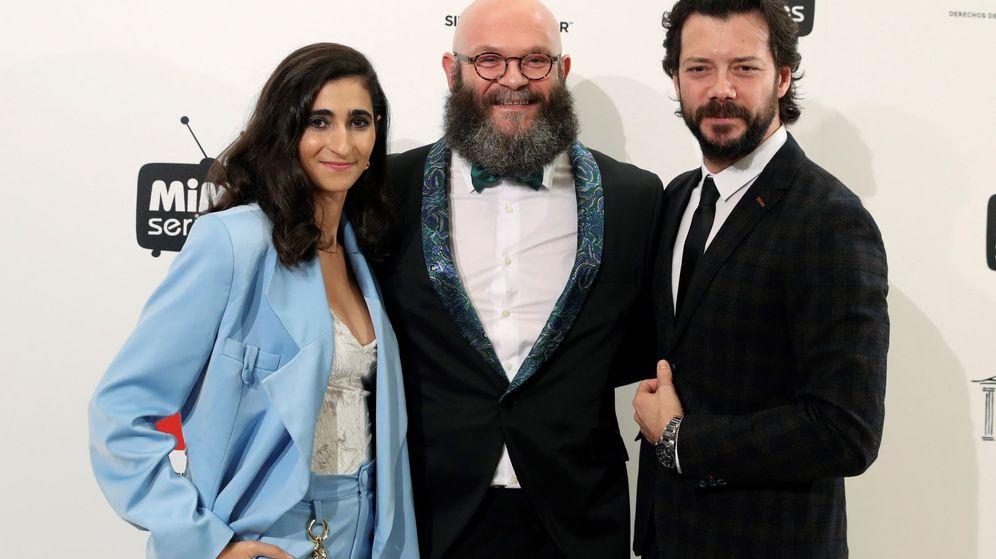 Foto: Alba Flores, Darko Peric y Álvaro Morte. (EFE)