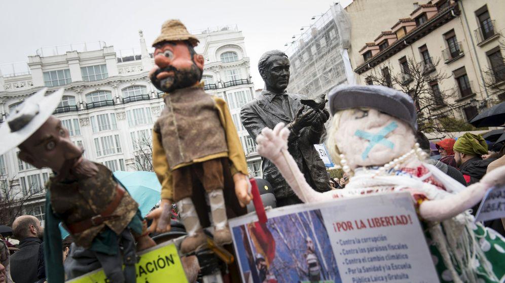 Foto: Concentración en Madrid en apoyo a los titiriteros en febrero de 2016 (Efe)