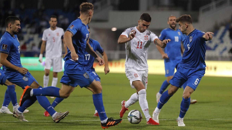 Foto: Ferrán Torres durante el partido frente a Kosovo. (EFE)