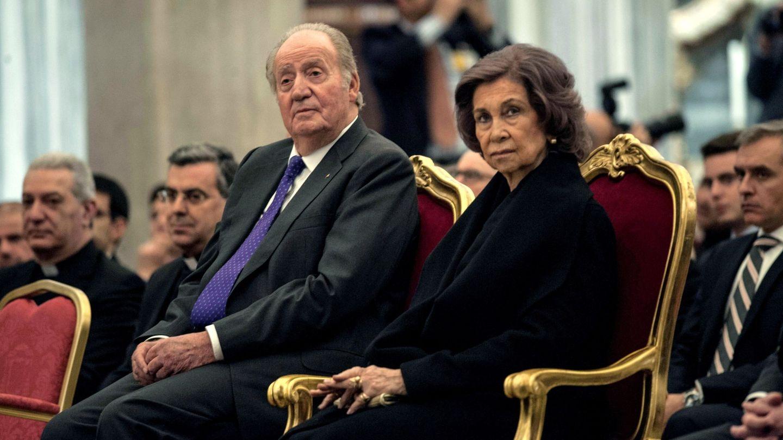 Los reyes eméritos, durante su asistencia a la inauguración de la nueva iluminación. (EFE)