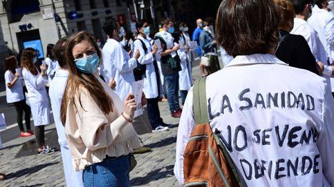 Un centenar de médicos exigen en Madrid el fin de la precariedad en Sanidad