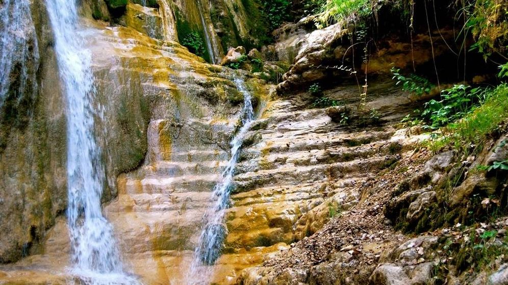 Foto: Paraje natural de La Hueta, Orcera (Jaén) Fuente: derutasporlanaturaleza.es)