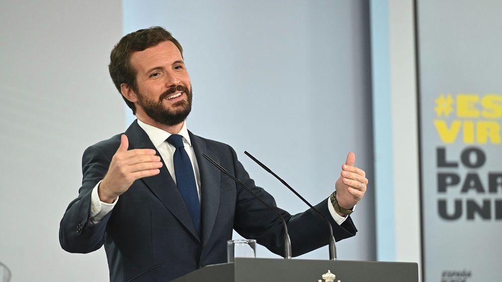 Foto: El líder del Partido Popular, Pablo Casado, en rueda de prensa en Moncloa. (EFE)