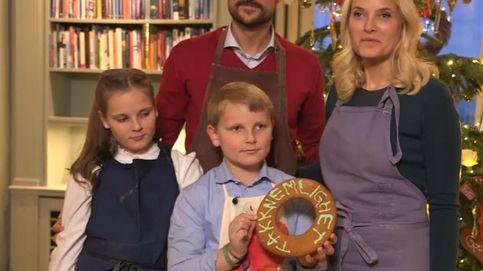 La princesa Mette-Marit de Noruega le copia la idea navideña a Victoria de Suecia
