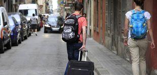 Post de La CNMC recurre la normativa de vivienda turística de Madrid, Bilbao y San Sebastián