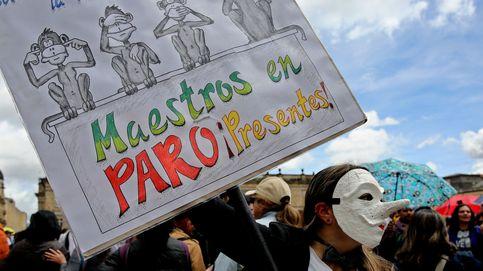 Maestros colombianos reclaman mejoras salariales