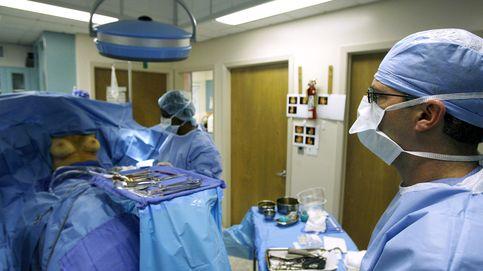 Ponerse bótox y que nadie lo vea: los ERTE y el teletrabajo disparan la cirugía estética