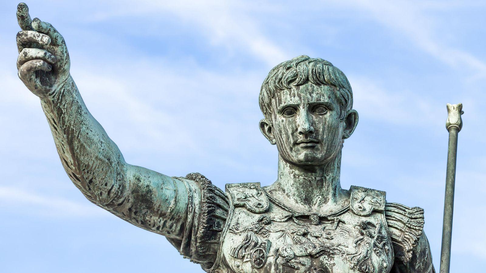 Foto: Aprende a manejar estas expresiones y queda como un rey o, mejor dicho, un emperador. (iStock)