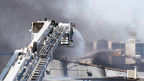 Las llamas calcinan por completo una planta de desechos industriales en Melbourne