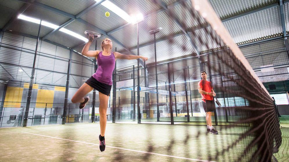 Foto: El pádel es uno de los deportes más prácticados en España. (iStock)